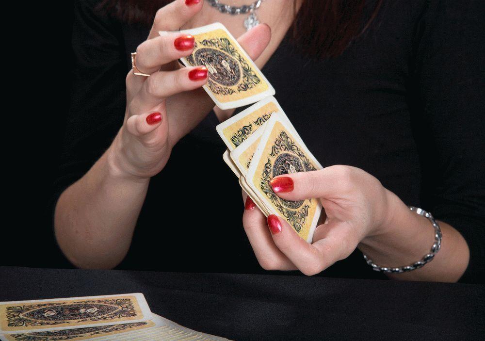 Как гадать на 36 игральных картах на любовь