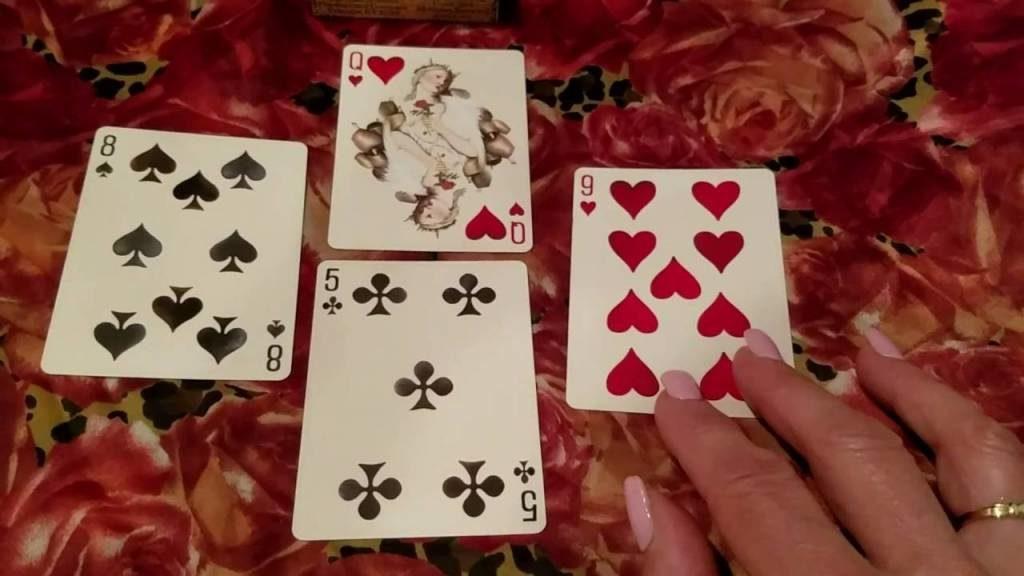 Описание гадания на игральных картах на месяц