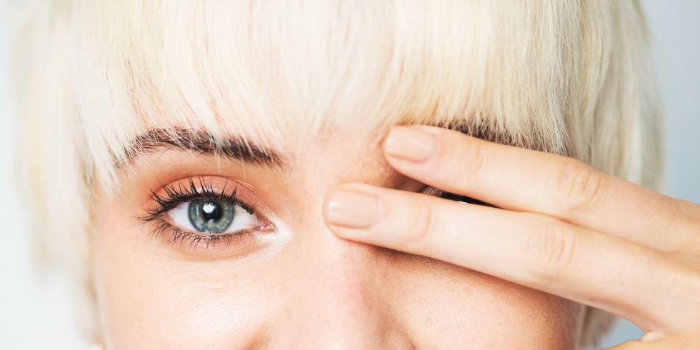 Почему чешется левый глаз
