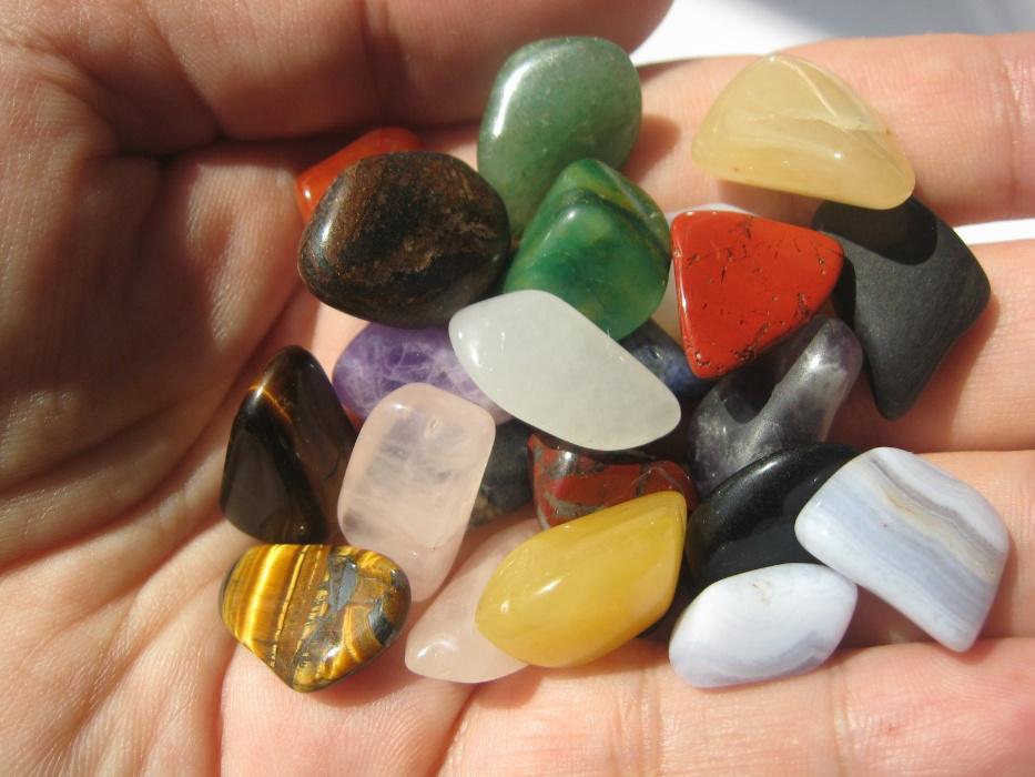 Значение камней в зависимости от их цвета