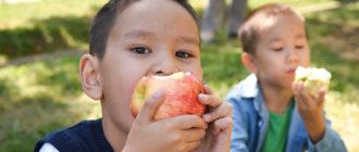 есть яблоки