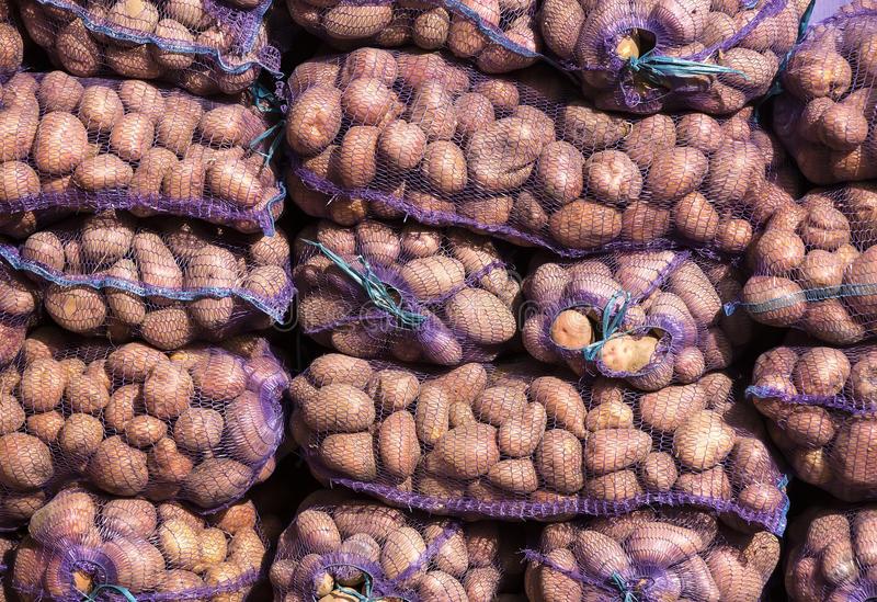 снится картошка в мешках