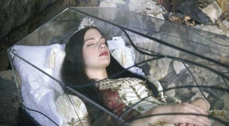 снится видеть себя в гробу