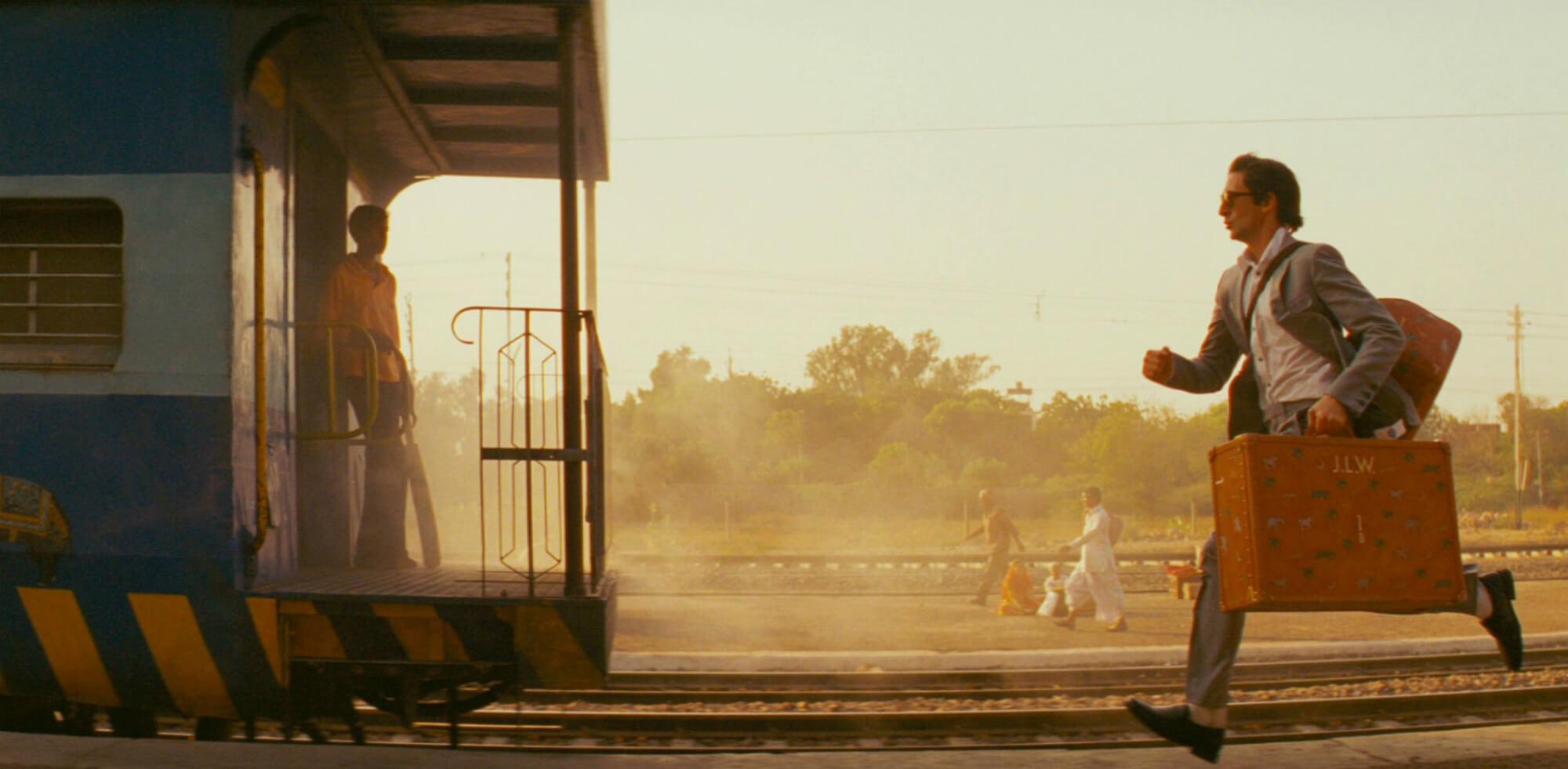 снится догонять поезд