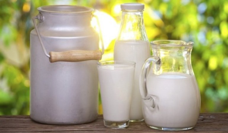 снится молоко коровье