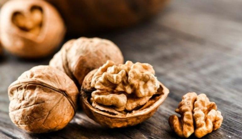 снятся грецкие орехи