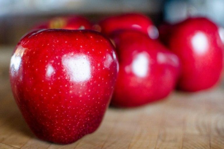 снятся красные яблоки