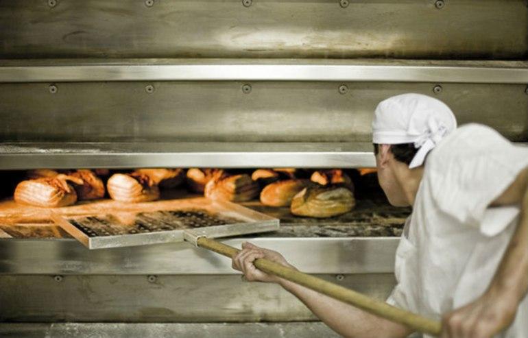 печь хлеб