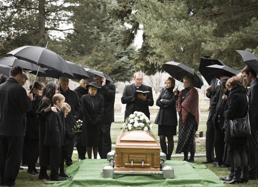 Почему снятся похороны
