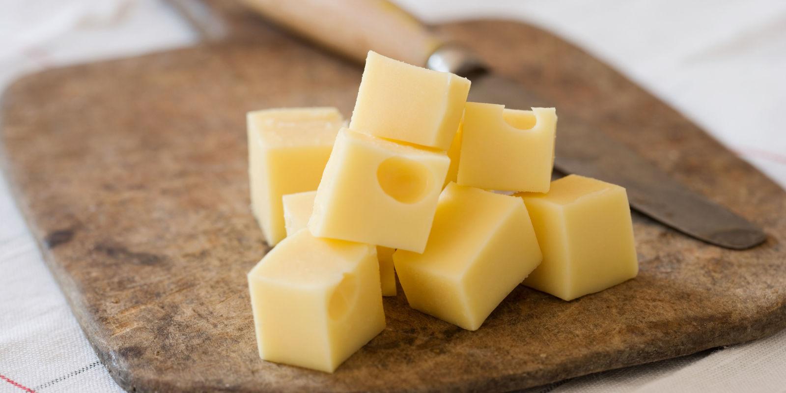 К чему снится сыр, если во сне ешь сыр – будешь счастлив? Основные толкования разных сонников: к чему снится сыр - Автор Екатерина Данилова