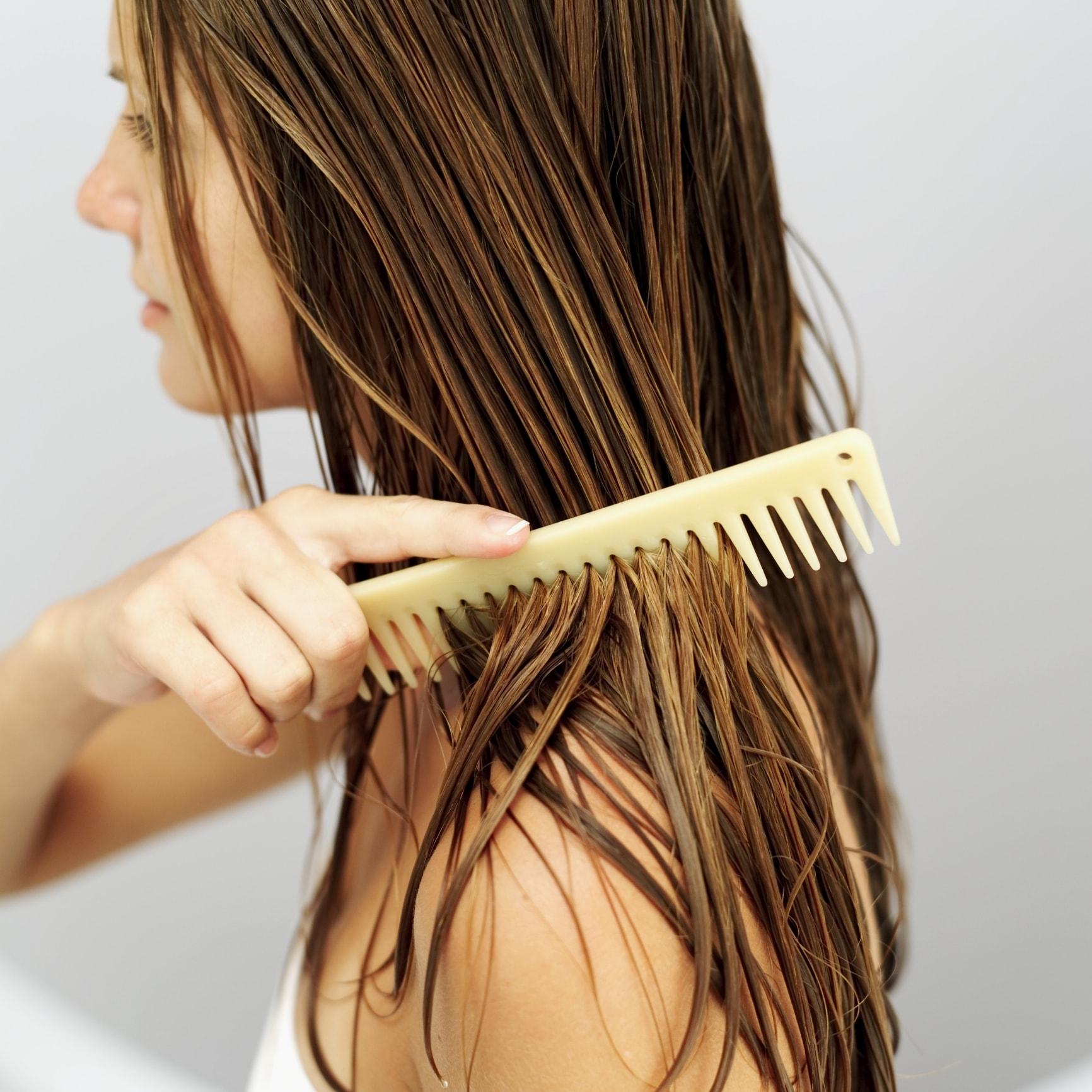 Снится убирать волосы