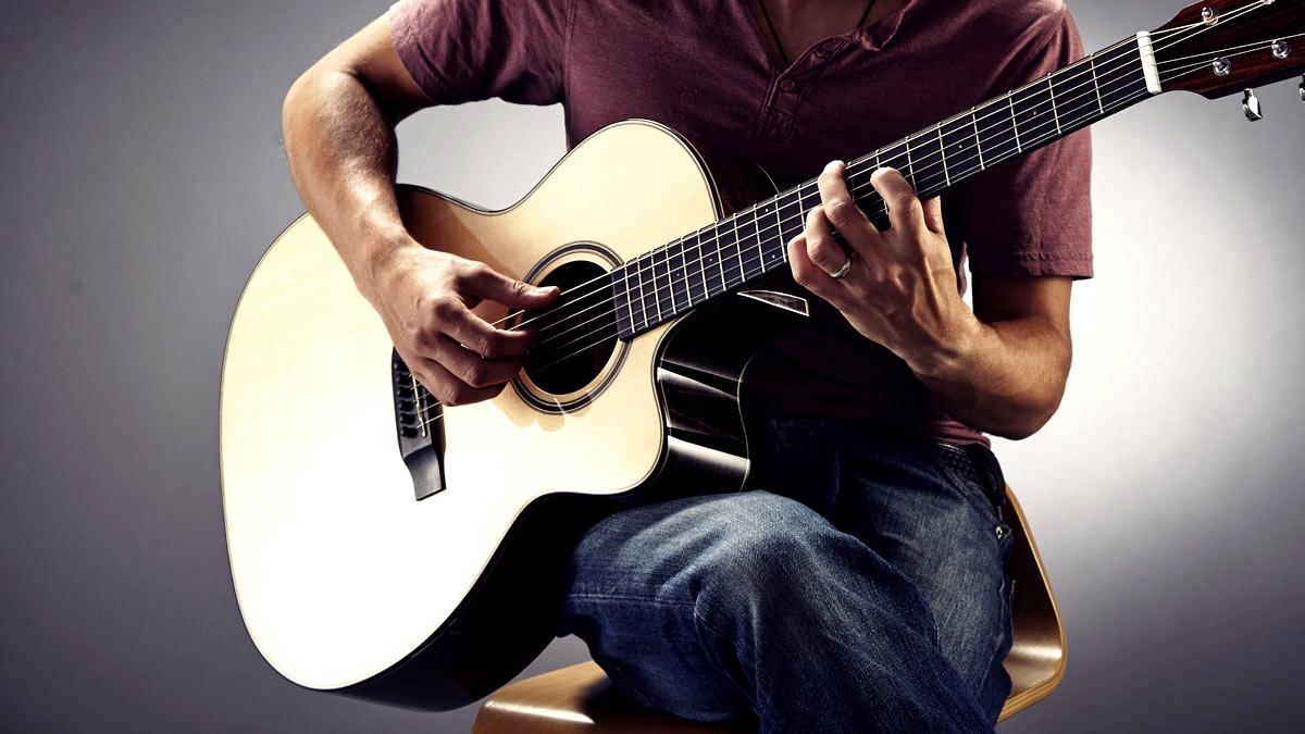 снится играть на гитаре