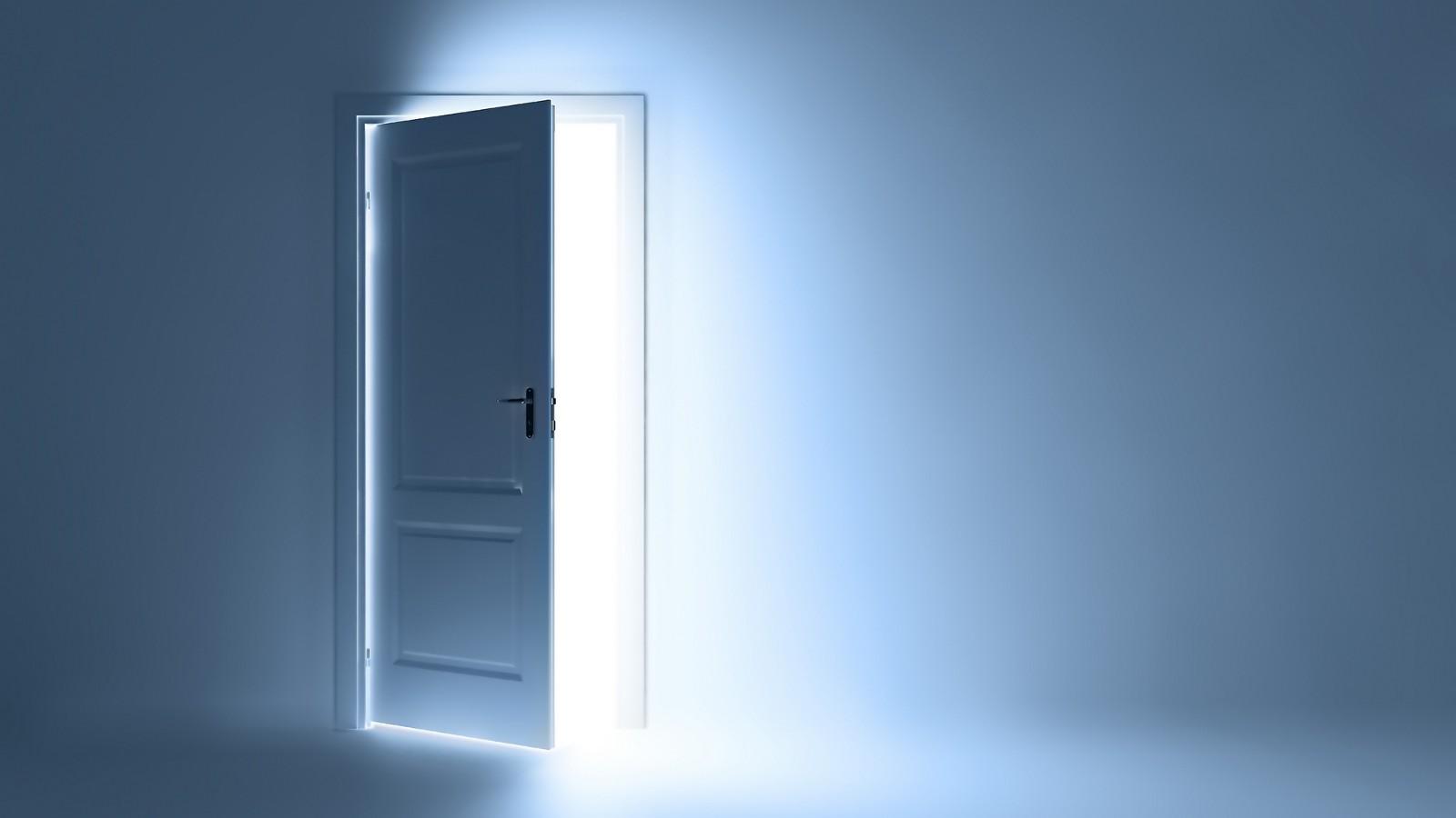 снится открытая дверь