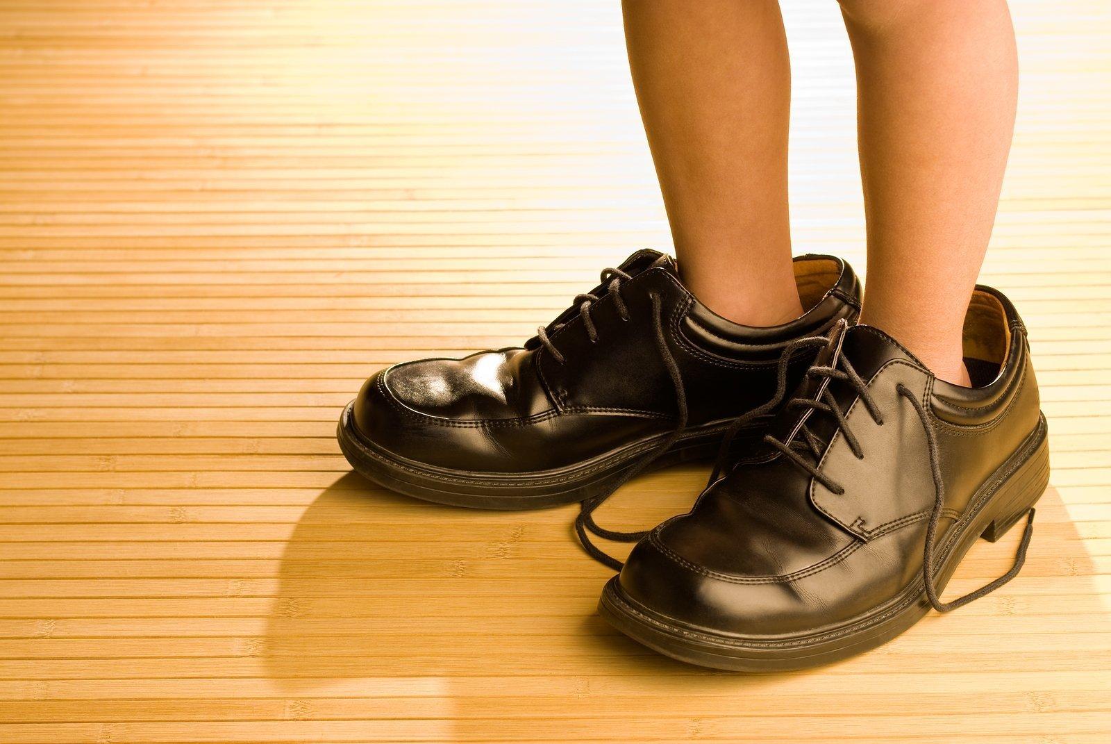 Одевать обувь во сне