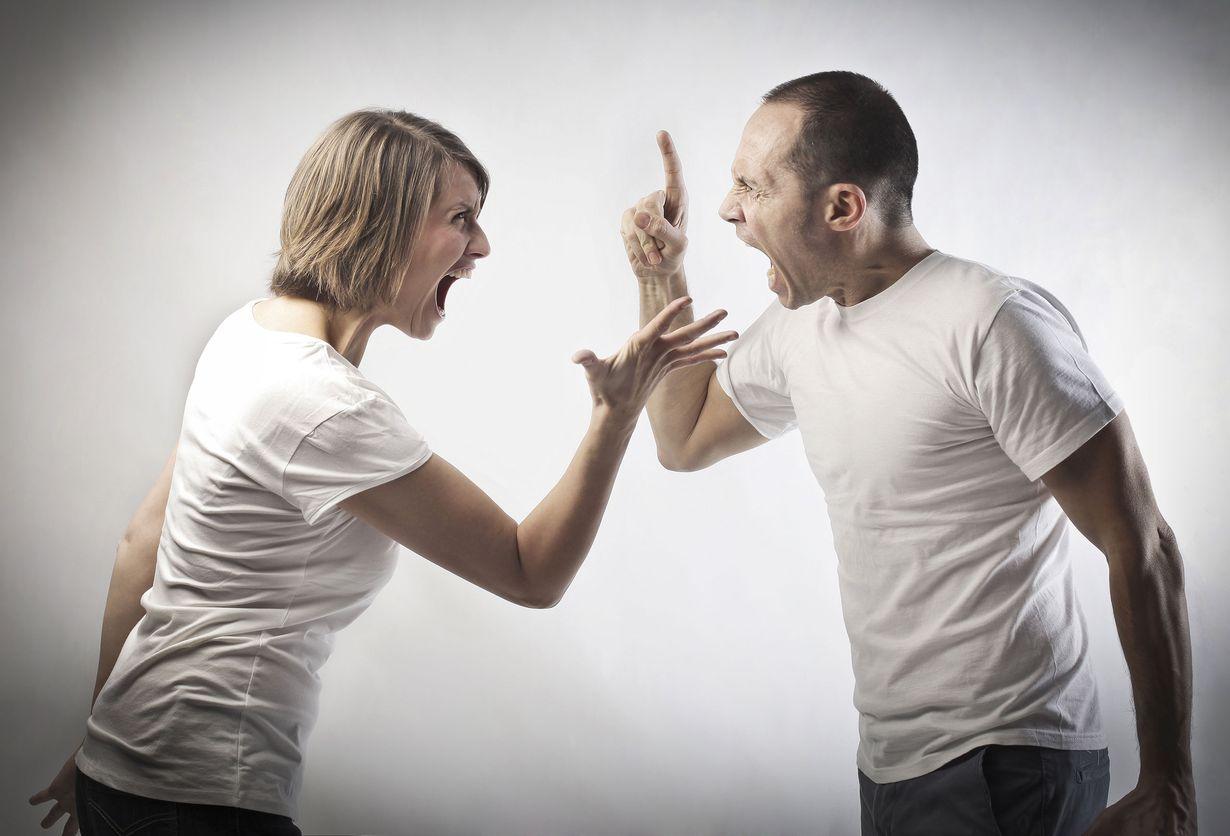 Картинки мужчина кричит на женщину
