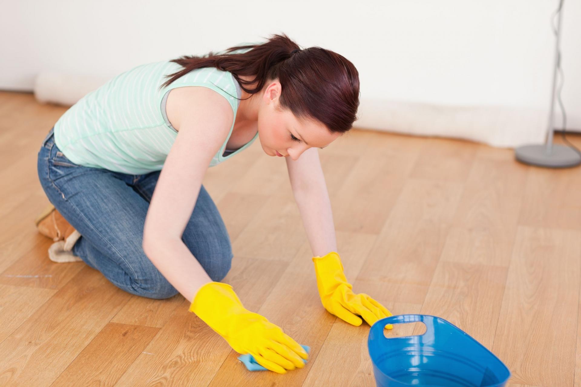 Снится мыть пол