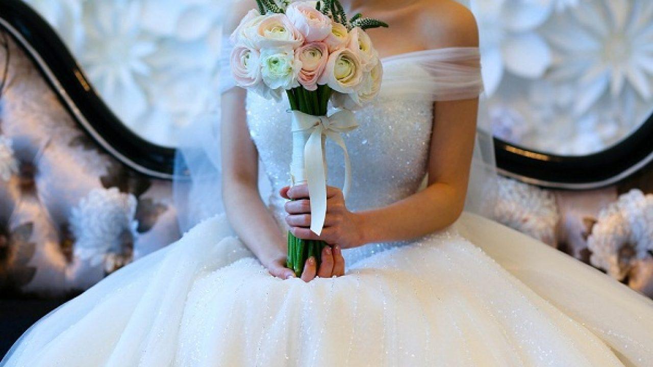 Одевать свадебное