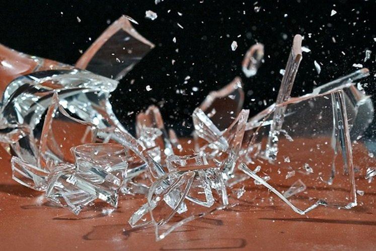 Разбить стеклянную вазу значение