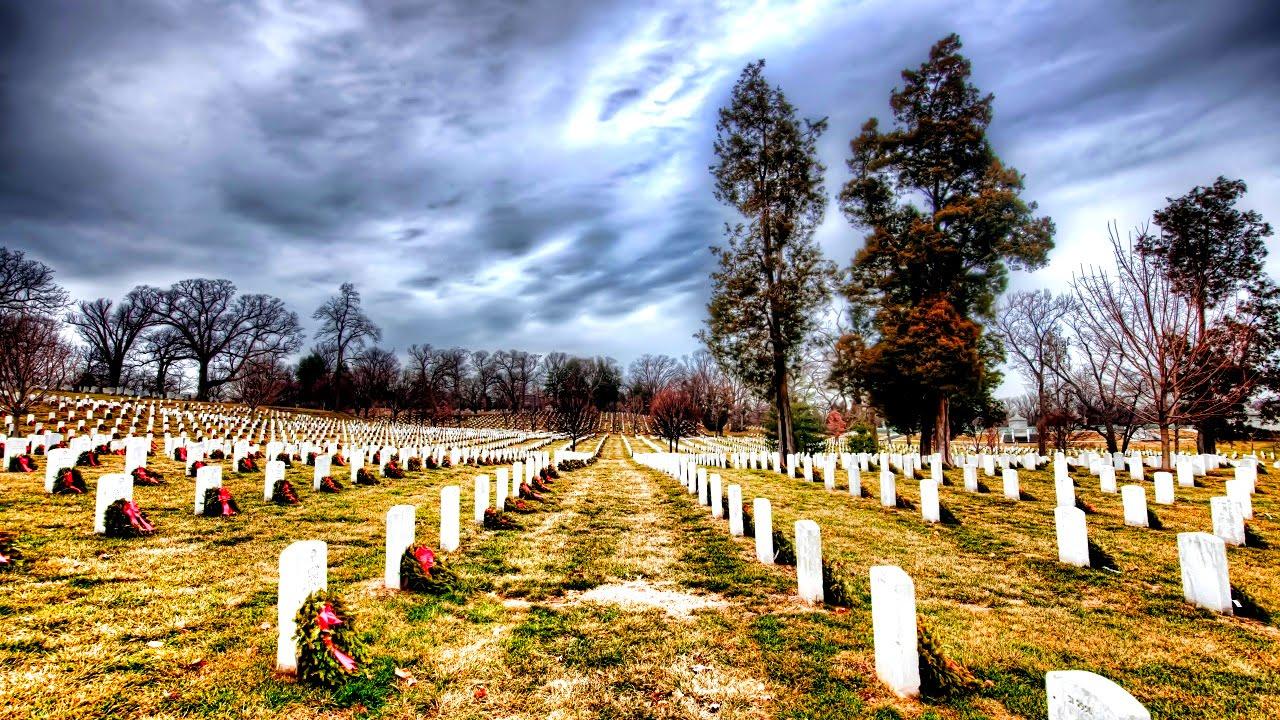 Снится гулять по кладбищу