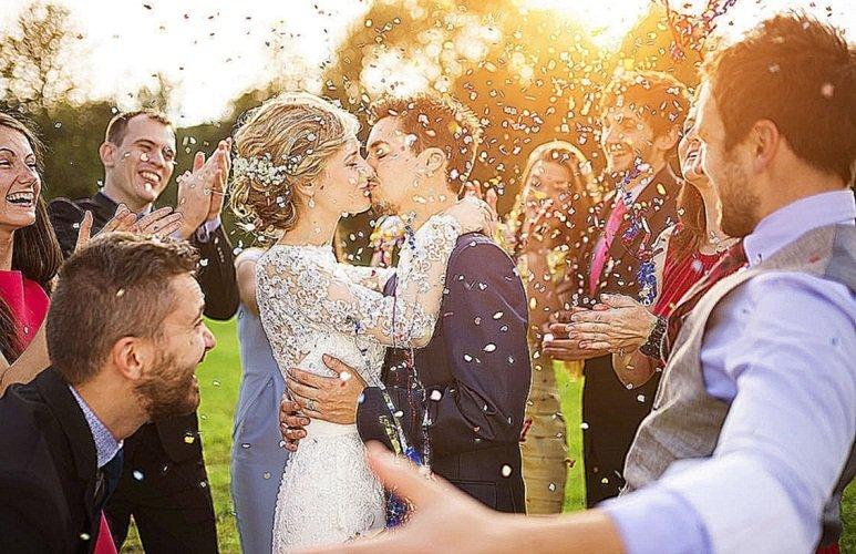 К чему снится свадьба брата толкование