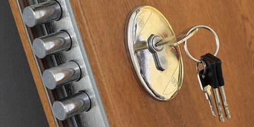 Снится закрывать дверь