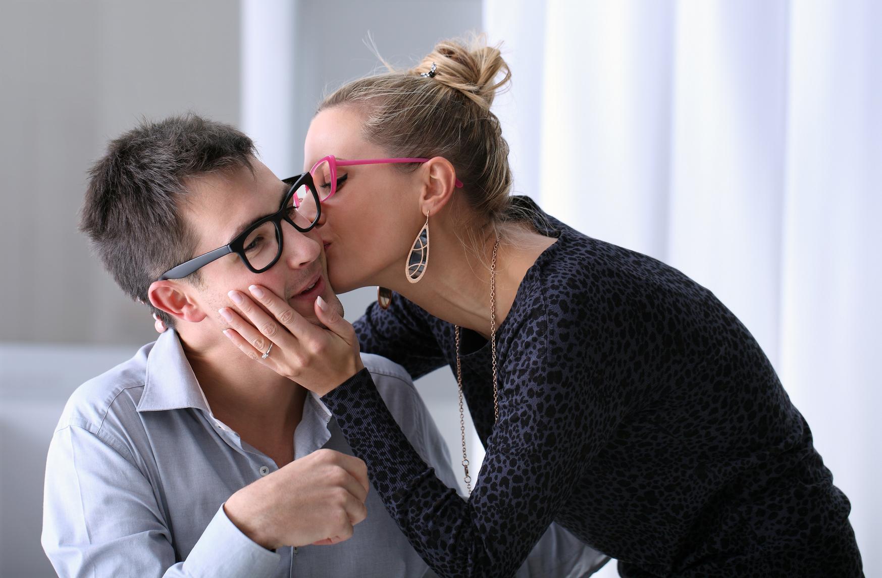 Целоваться во сне с начальником в губы